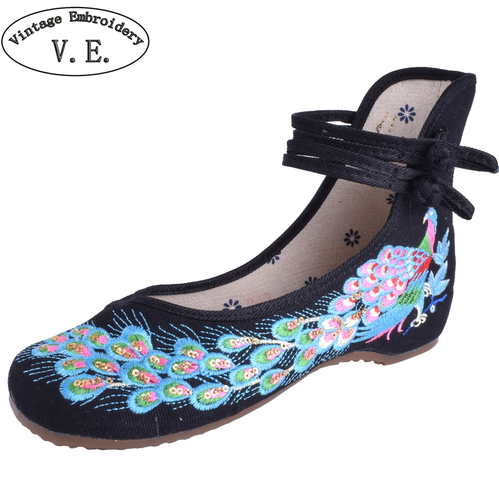 Woman Flat Shoes Sequined Peacock Embroidered Shoes Chinese Embroidery Casual Cloth Dancing Shoes Zapatillas Lentejuelas vintage embroidery women flats chinese floral canvas embroidered shoes national old beijing cloth single dance soft flats