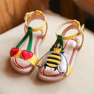 Image 4 - 2018 Summer Girls sandals  flowers with heart sharp and bees beach shoes for baby to big kids