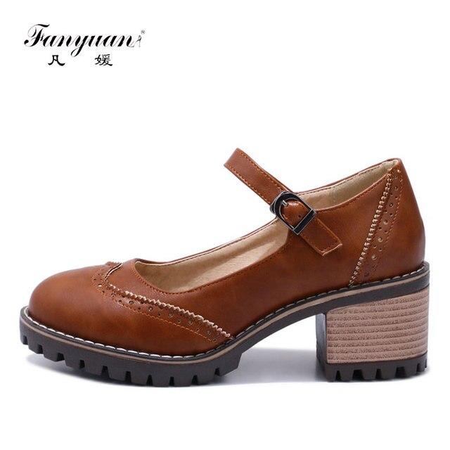 Fanyuan Scarpa Italiana Retro Signora di Alta Pompe lavoro a mano Da Cucire vestito fascino scarpa superficiale Mary Janes tacco Grosso Scarpe nude tacchi