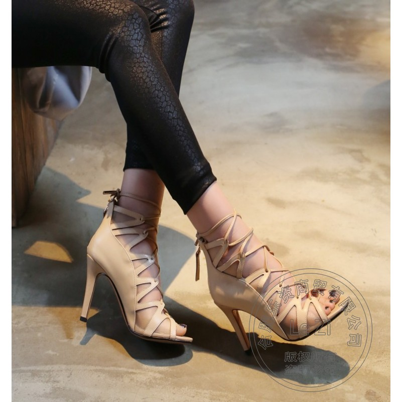 ФОТО Hollow Carved Cowhide Soft Leather Delicate Single Shoes Peep Toe Fish Mouth Stiletto Shoes Korean Zip New Gladiator