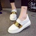 Женщины Мокасины 2017 Весенняя Мода Металлические Плоские Туфли На Платформе Женщина Скольжения На Повседневная Обувь Кожаные Квартир Женщин Белый Zapatos Mujer