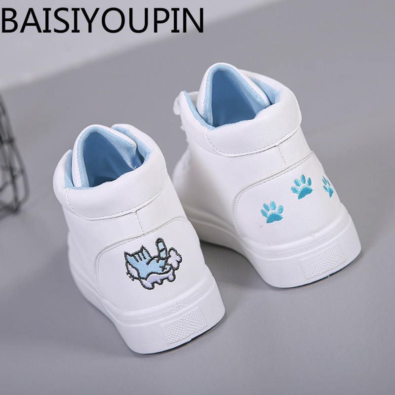 2018 New Womens Shoes Student Small White Shoes for Woman Board Shoes High Help Graffiti Footprints Ladies Causal Flats Shoes