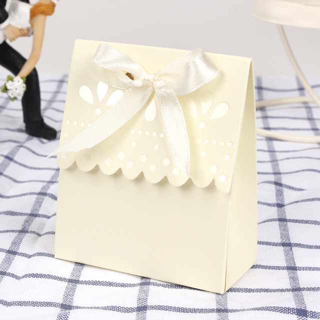 Us 3 99 12pcs Lot Small Wedding Favor Box Candy Box Scalloped Edge Ivory Wedding Party Sweets Favour Candy Gift Box In Gift Bags Wrapping Supplies