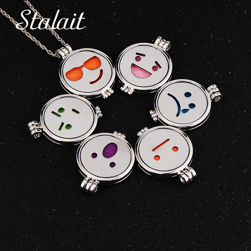 Glow In the Dark Jewelry Essential Oil Diffuser Stainless Steel Face Expression Necklace Pendant Aromatherapy Necklaces