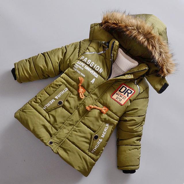 Fábrica que vende directamente 4-7años kids espesar cálidos chaquetas verdes bebé abrigos a prueba de viento outfit niños ropa de invierno de navidad