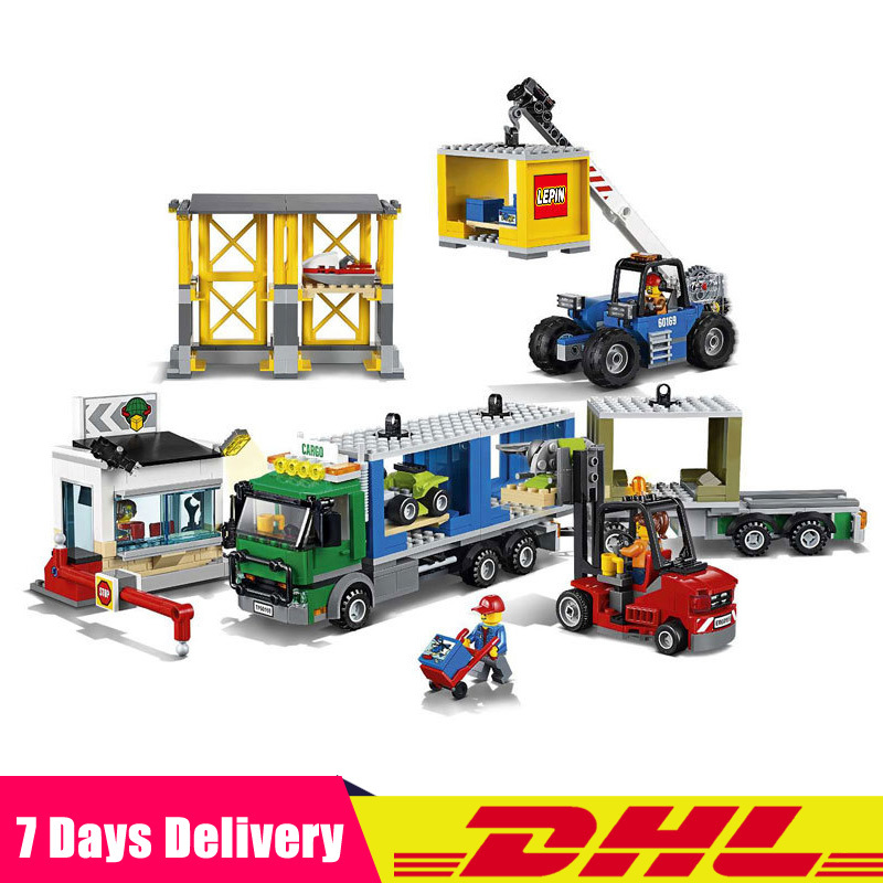 цены Clone Legoinglys 60169 Lepin 02082 829Pcs The Cargo Terminal Set Toys Building Blocks Bricks Children Educational Gifts Model