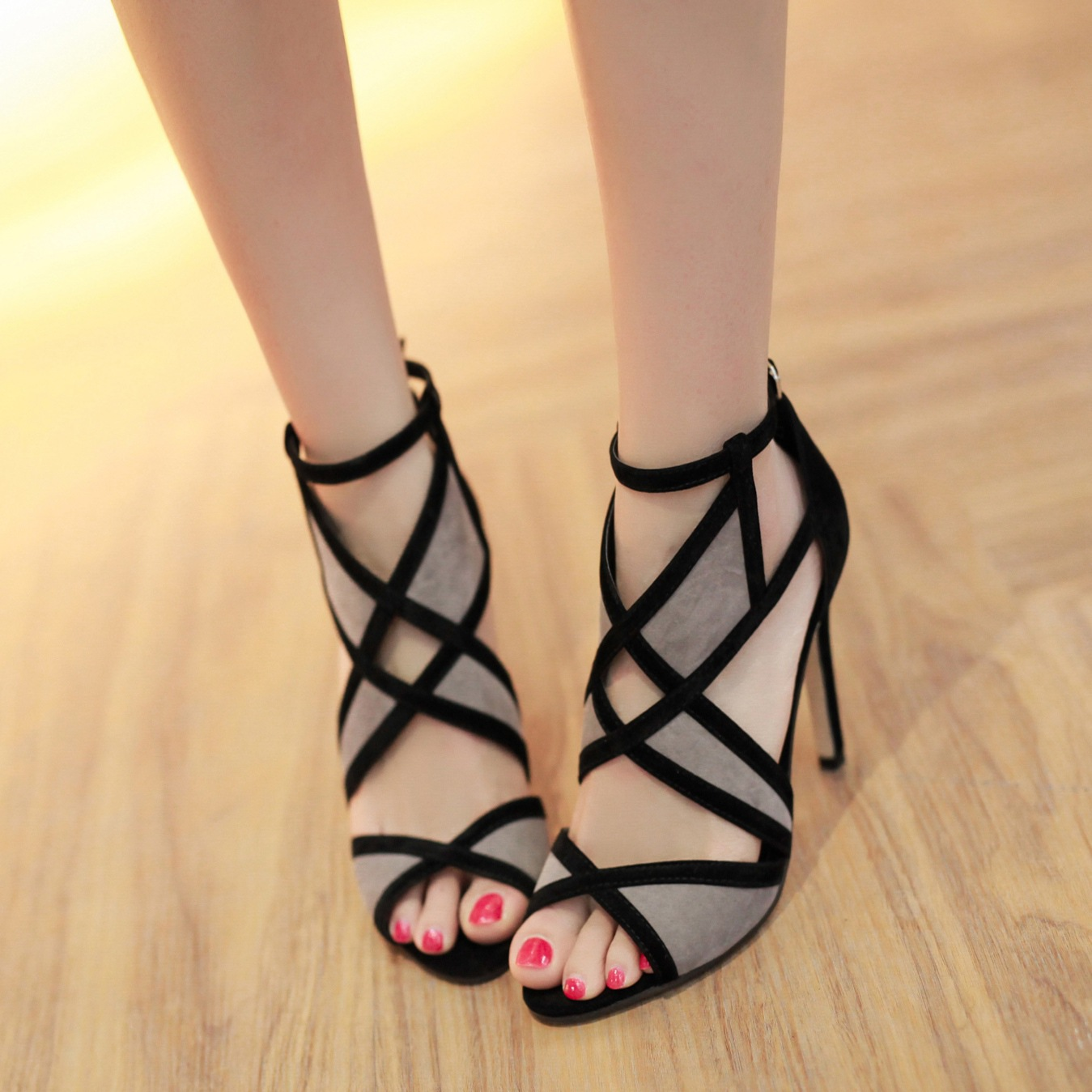 Korean Fishmouth Sandals Female Summer Sexy High-heel Coloured Baitao Cross-strap 2017 New Hollow-out Toe Fine-heelKorean Fishmouth Sandals Female Summer Sexy High-heel Coloured Baitao Cross-strap 2017 New Hollow-out Toe Fine-heel