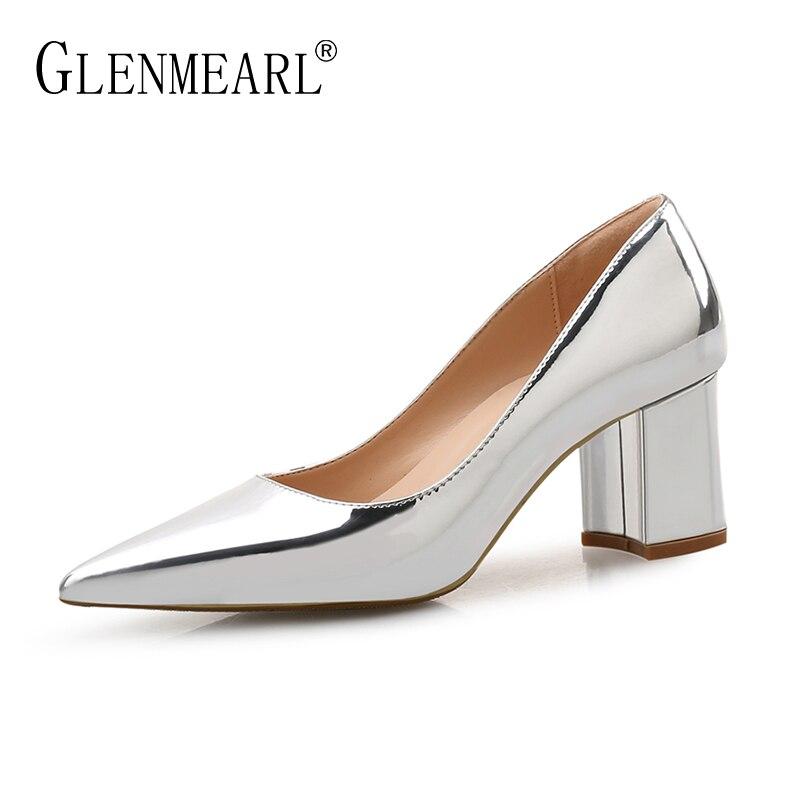 7f63bfd4e4 Sapatos de Salto alto Mulheres Bombas de couro de Patente Primavera Único  Vestido Da Mulher Sapatos Primavera Bombas de Salto Grosso Pontas Do Dedo  Do Pé ...