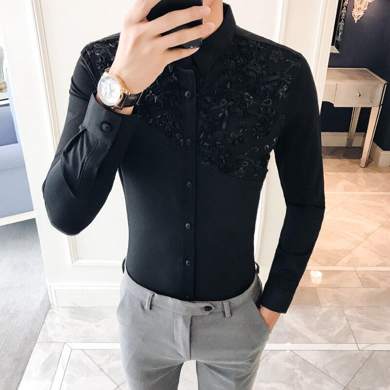 2018 blusa otoño hombre moda encaje blanco camisas para hombre Camisas  flores partido británico Camisa Masculina Slim Fit manga larga en Camisas  casuales de ... 0eeafcd6e6088