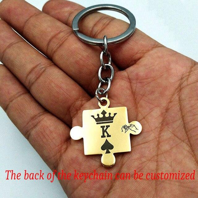 1 para niestandardowe grawerowane korona król królowa Poker pik litery K Q wisiorek breloczek dla par kobiety mężczyźni prezent dla chłopaka brelok
