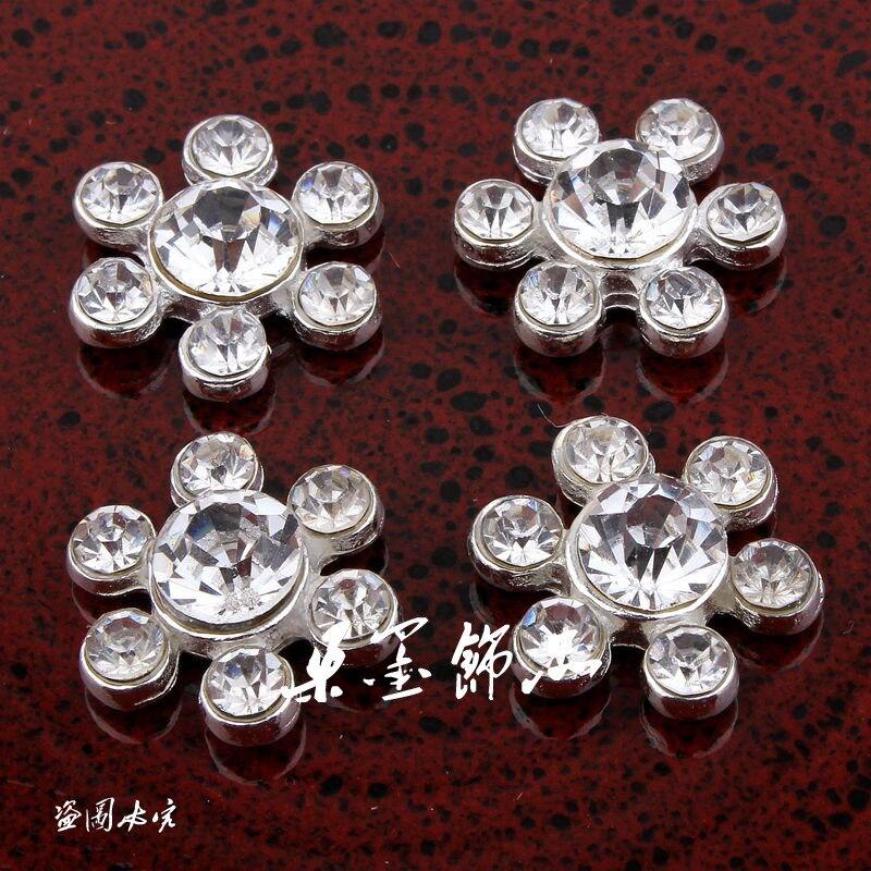 (120 PCS LOT) 15 MM Handmade Bling Logam Kristal Pipih Tombol Untuk Bridal  Bros Lucu Batal Alloy Berlian Imitasi Bunga tombol 26689cf0d499