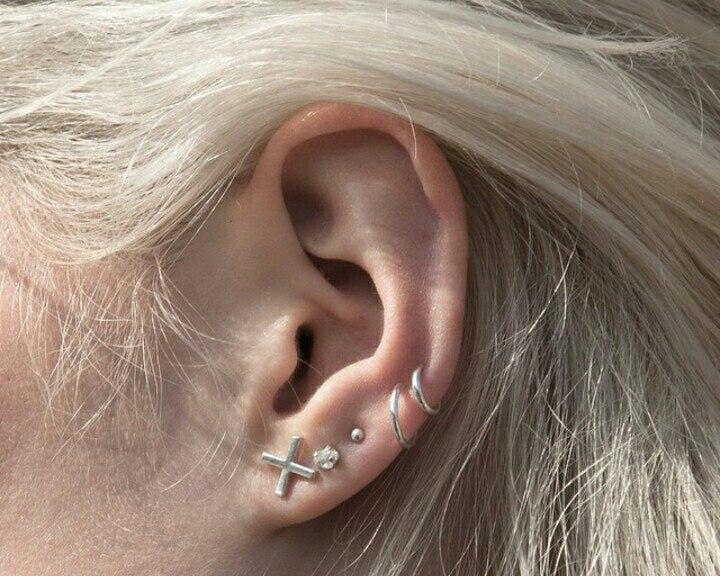 Minimalistische Oorbellen Zilver : Minimalistische xo oorbellen sieraden zilver zwart beginletter