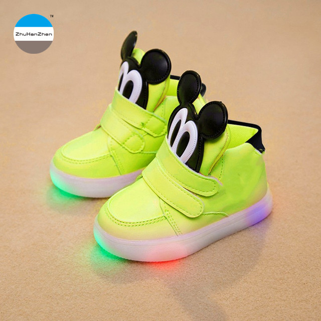 d535ca704113 2018 LED 1 to 5 years old kids light shoes baby boys and girls casual  sports shoes fashion children s boots glowing sneaker