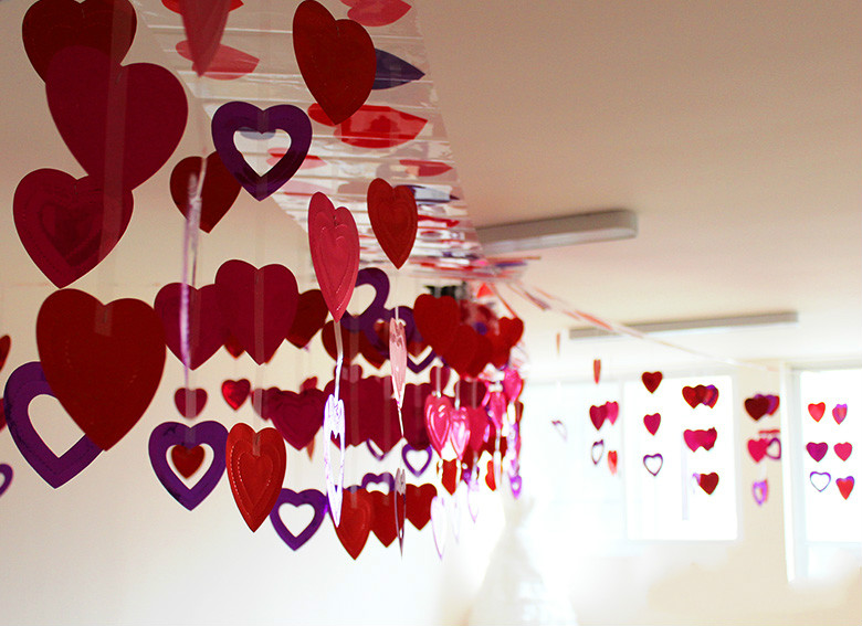 3m Long Garland Sequin Heart Ceiling Garland Valentines