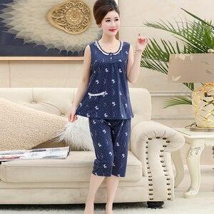 Image 1 - Хлопковая майка, укороченные брюки, пижама для женщин, летний кружевной Женский Повседневный комплект с принтом, с круглым вырезом и коротким рукавом, Женская домашняя одежда женская, Размер 4XL