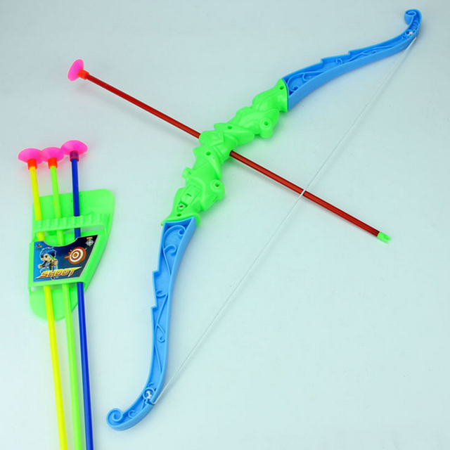 Bow with 4Pcs Plastic Soft Arrows