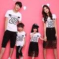 2016 семьи сопоставления одежда мать отец ребенка семья посмотрите мать дочь платья отец и сын наряды футболки