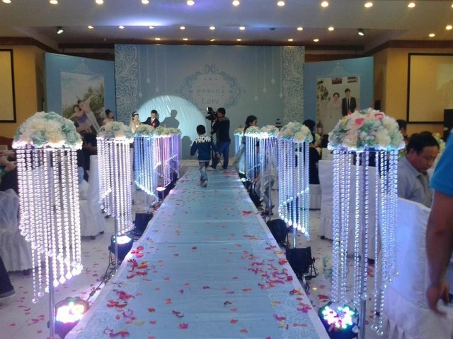 Wedding props wedding crystal road lead beatiful crystal pillars wedding props wedding crystal road lead beatiful crystal pillars crystal centerpiece for party wedding decoration 8pcs junglespirit Images
