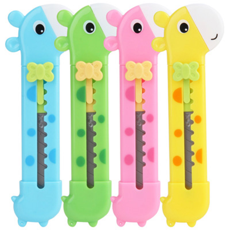 Kawaii Children Giraffe Art Knife Cute Knife Paper Cutter Mini Cartoon Safety DIY Knife School/Office/Home Handwork Cutting Tool