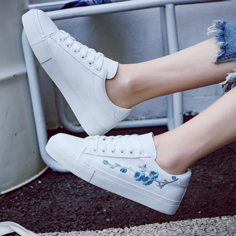 2018 חדש נעלי נשים אביב אופנה לבן סניקרס נשים עור נשים מגופר נעליים באיכות גבוהה לנשימה פרחוני