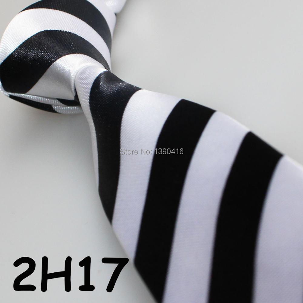XINCAI Heavy discount ! High sales ! 2018 Latest Style Fashion/Business/Casual Black/white Striped men suit shall wear neckties