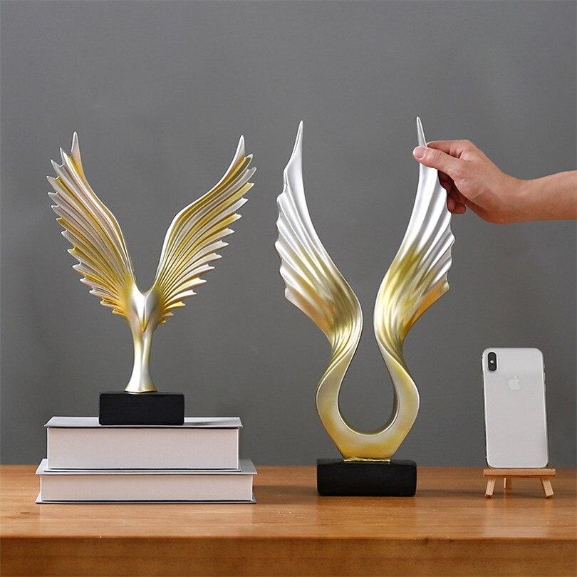 Business Gift Gold Wings Ornament Ktv Office Home Desktop Decoration Carve Wings Statue Resin Figurines Garden Sculptures Craft