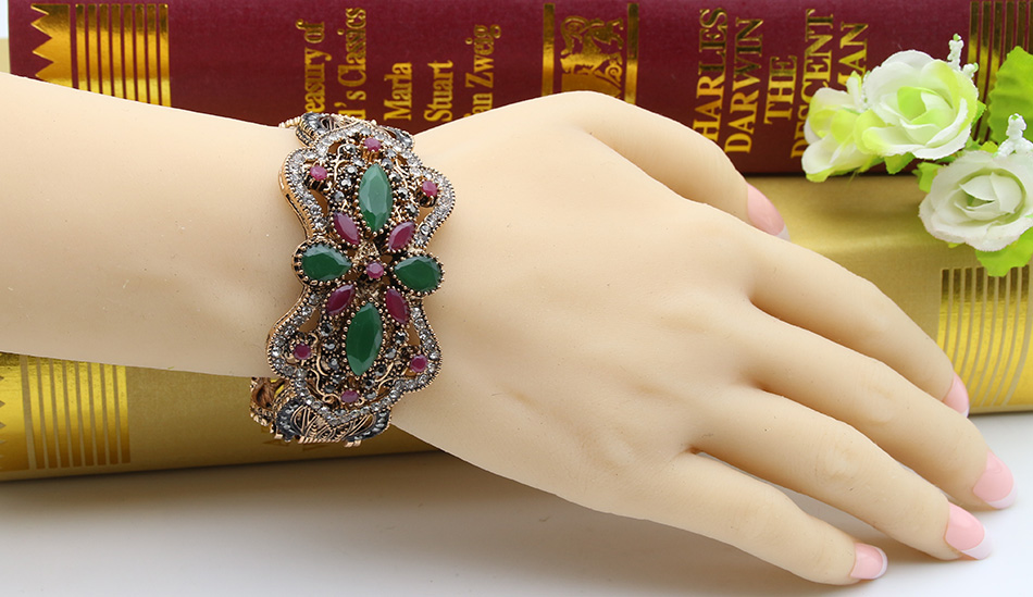 SUNSPICEMS Antique Gold Color Women Vintage Bangle Big Rhinestone - Նորաձև զարդեր - Լուսանկար 6