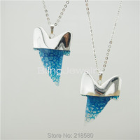 H QN223 Blue Agate Shark Teeth Charm Pendant Necklace With Silver Plated Chain