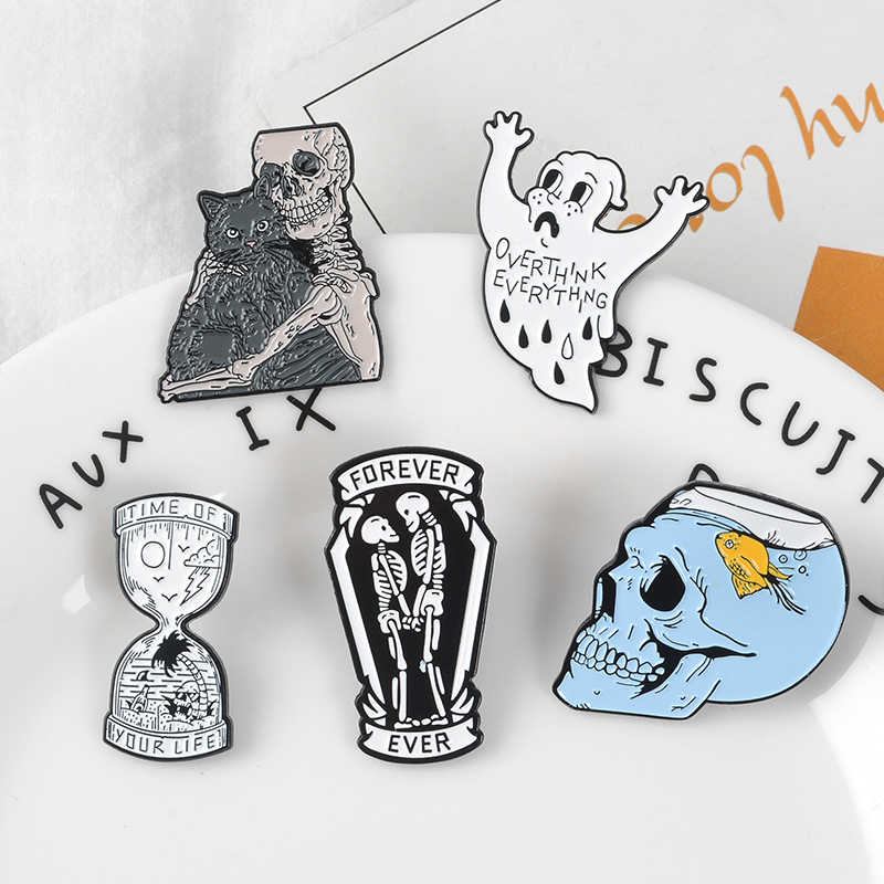Punk Lover Vampire Enamel pin Hourglass Cat Skeleton Fish tank brooch Badge Halloween gift jewelry for your Fashion witch friend