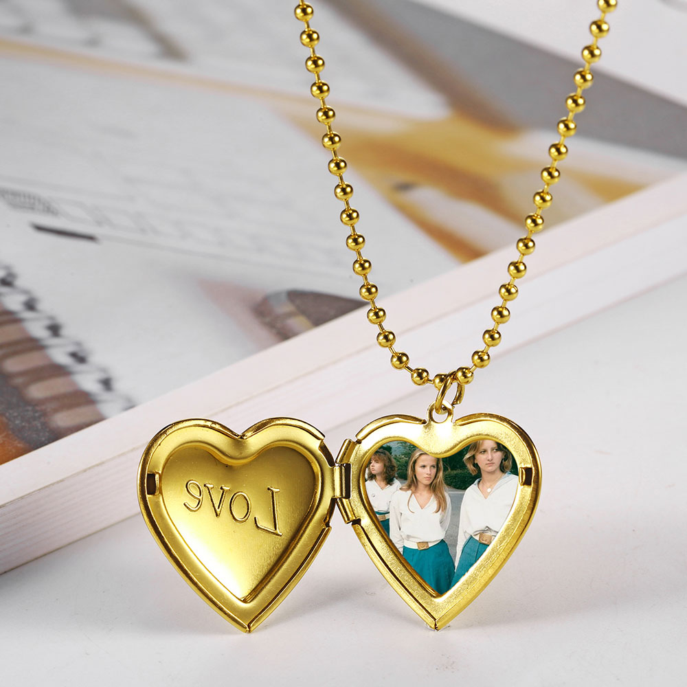 to My Mom Necklace Chain Unique Gift for Mom On Birthday Mothers Day Silver Gold Heart Shape Pendant Chain Novelty Gift for Woman