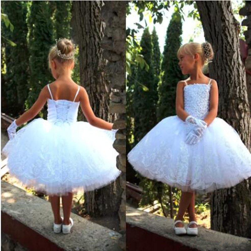 Lovely White Lace Up Back   Flower     Girl     Dresses   For Wedding Party Knee Length Lace Appliques Beaded First Communion   Dresses