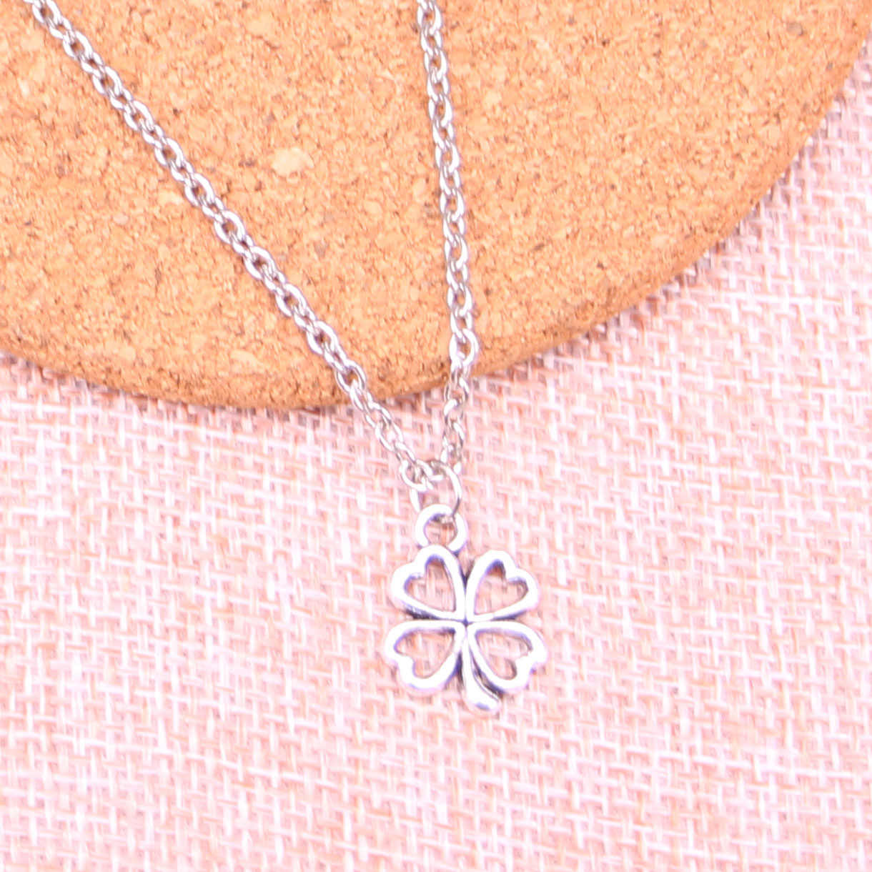 Fashion Antique Silver Color 17*14mm lucky irish four leaf clover Pendant Necklace,Handmade Necklace Dropship Suppliers