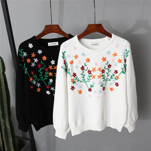 The 2016 New South Korea purchasing models hand embroidered flowers turtleneck sweater coat pearl sweater