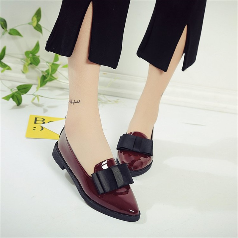 2018 Fashion Women Flats Pointed Toe Patent PU Leather Women's Flat Shoes Ladies Slip On Loafers 157 brand fedimiro spring oxford shoes women patent leather pointed toe slip on flat loafers casual metal buckles ladies flats