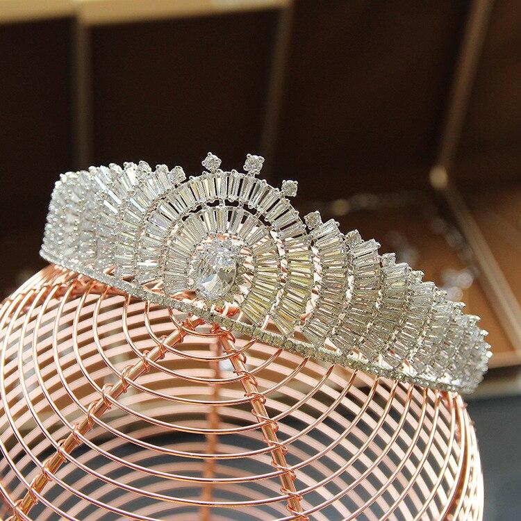 Здесь продается  Bride Luxury Micro Domain Artificial Zircon Crowns Trendy Tiaras Cubic Zirconia Crystal-clear Wedding Hair Accessories HA20022  Ювелирные изделия и часы