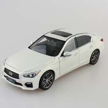 New 1/18 Infiniti Q50 Q50s 2015 White Diecast Model Cars Hot Selling Alloy Scale Models Limited Edition