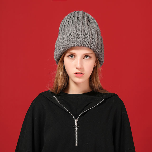 Warm and thick wool hat for women
