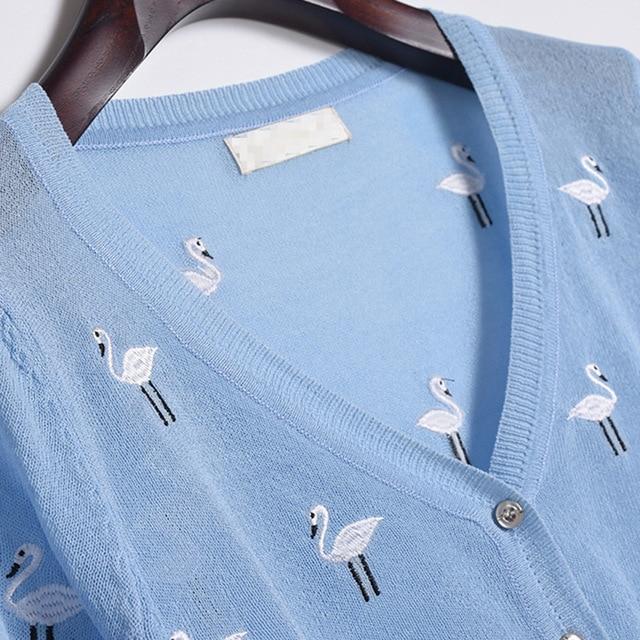 Ice soie broderie cygne mince femmes Cardigan tricoté pull haussement dépaules trois quarts Crochet femme col en v femme Cardigans hauts 1676