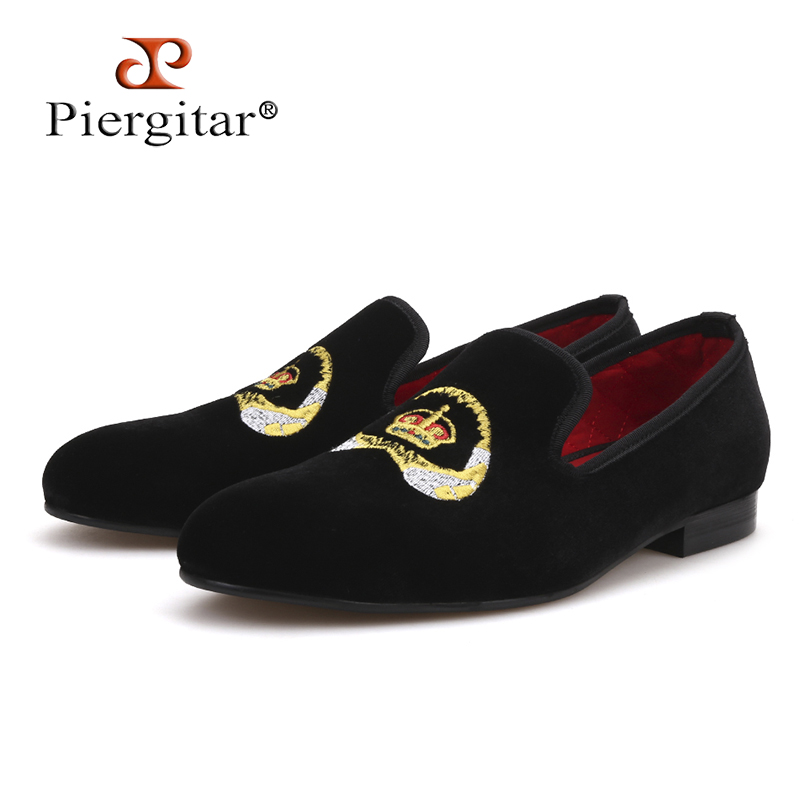 Piergitar 2018 Special embroidery Men Velvet Shoes Party and wedding Men Loafers Smoking Slipper Men Flats Plus Size new luxury brands full rhinestone handmade men loafers wedding and party men shoes european style smoking slipper men s flats