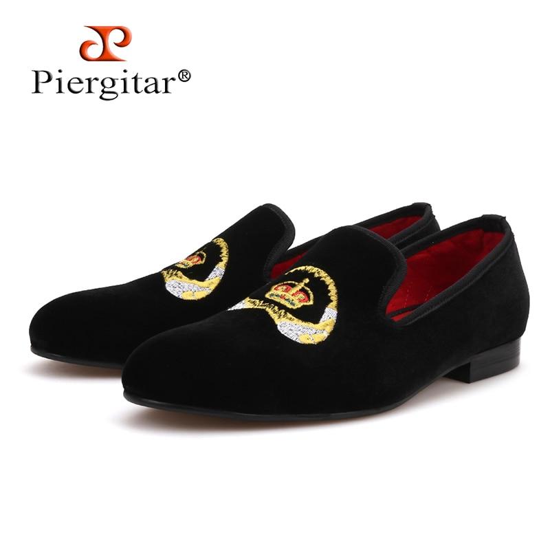 Piergitar 2018 Special embroidery Men Velvet Shoes Party and wedding Men Loafers Smoking Slipper Men Flats Plus Size цены