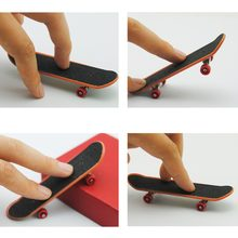 Alloy Stand Fingerboard Mini Finger Skateboards Fashion Finger Board for Fingers Ramp Fingerboard Skateboard Training Toys Kit(China)