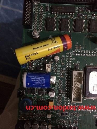 A PCB2008 Lonati zokni gép lítium akkumulátort használ, az OmniCel ER14505 3,6 V-ot