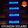 O envio gratuito de LED Azul luz de Aço Inoxidável do Peitoril Da Porta Da Placa do Scuff do Peitoril Da Porta Threshold para Solaris 2010-2014 Lado porta