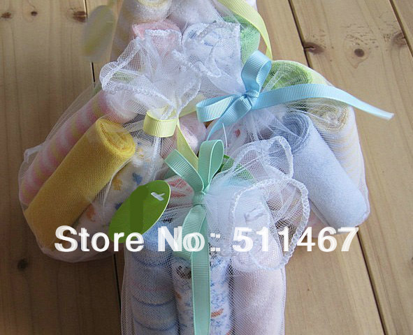wholesale free shipping 8pcs/set baby's towels/baby bibs/infantfeeding towel santa feeding towels