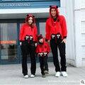 2016 la familia del otoño ropa a juego Lindo Deporte de la manera impresión de la historieta ropa capucha de la chaqueta + Pants look familia familia conjunto