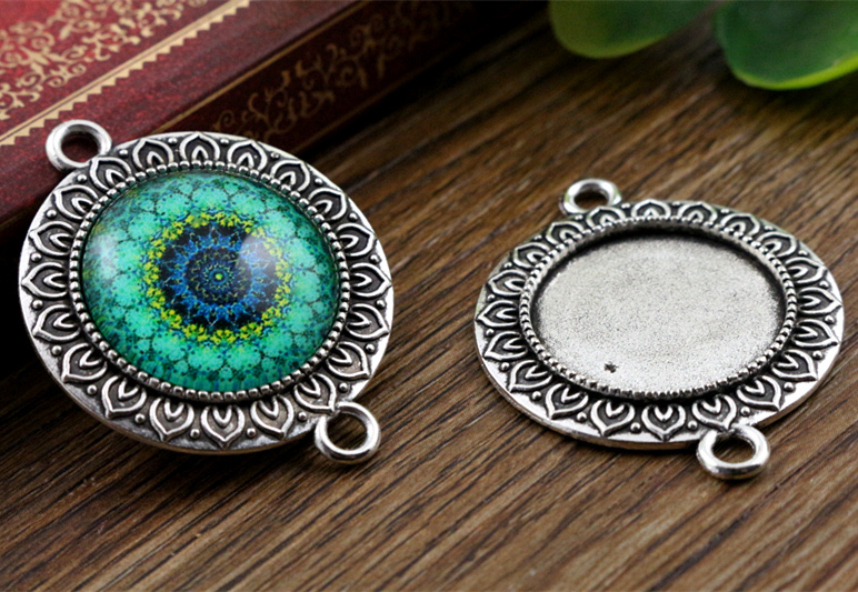 4pcs 20mm Inner Size Antique Silver Classic Style Cabochon Base Setting Charms Pendant (D2-06)