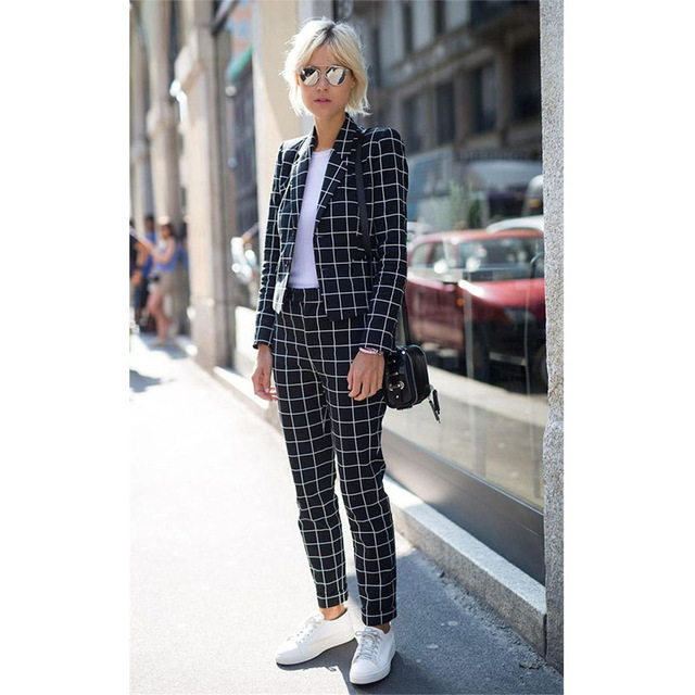 2017 Fashion Black And White Plaid Pattern Women Groom Tuxedos Shawl Lapel Suits For Women One Button Business Women Work Suits