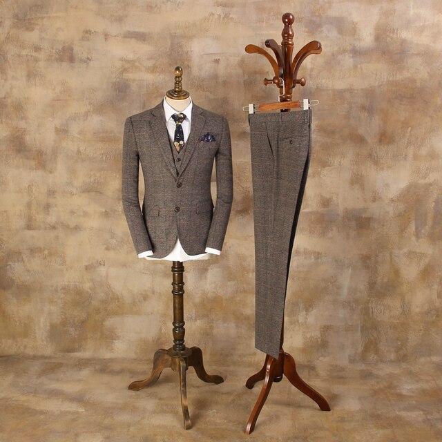 Новый Британский ретро Кофе решетки Костюмы Мужской однобортный из трех частей Бизнес Костюмы Для мужчин коричневый в клетку модный костюм куртка жилет