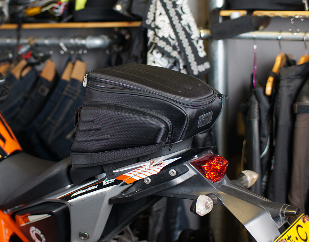 Bag Motorcycle Top Fashion Tank Bags 2016 New Uglybros Ubb-224 Motorcycle Rear Bag / Road Send Waterproof Cover