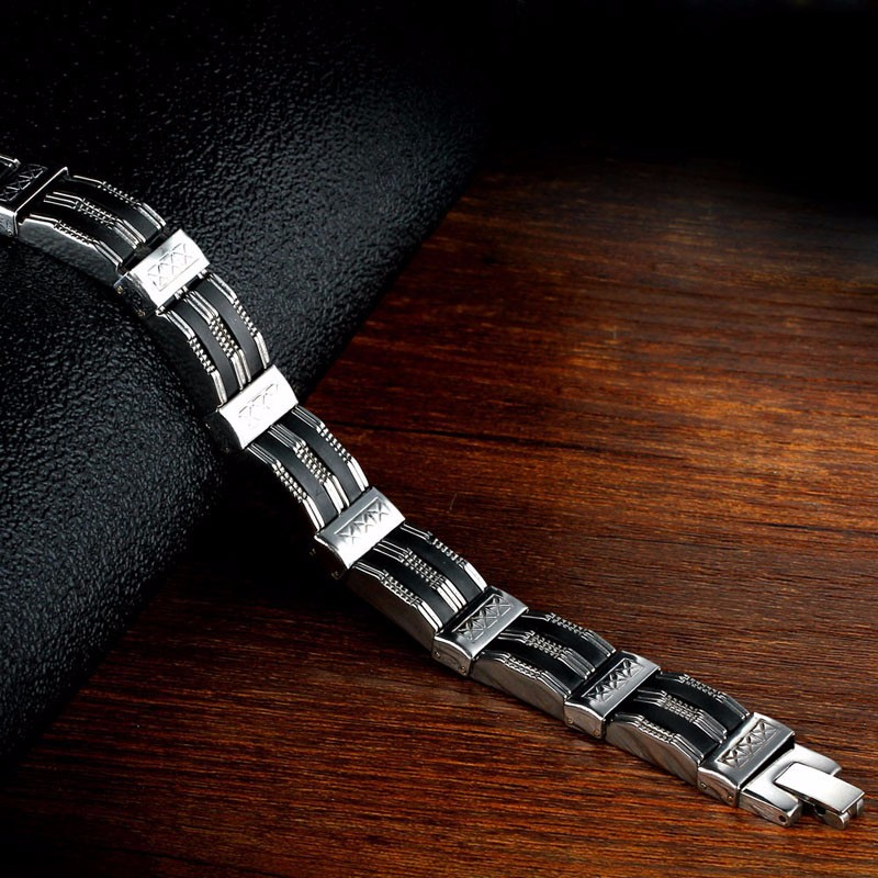 detailed-titanium-black-and-silver-mens-bracelet-2